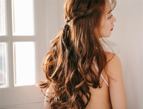 4 kiểu tóc đẹp duyên dành cho nàng tóc dài chán để tóc xoã - Ảnh 24.