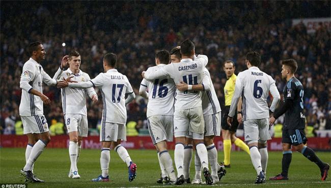 Ronaldo ghi bàn, Real cho Barca ngửi khói trong cuộc đua vô địch - Ảnh 13.