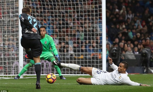 Ronaldo ghi bàn, Real cho Barca ngửi khói trong cuộc đua vô địch - Ảnh 10.