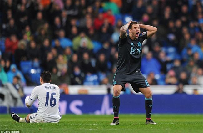 Ronaldo ghi bàn, Real cho Barca ngửi khói trong cuộc đua vô địch - Ảnh 11.