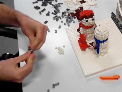 Trường đại học Cambridge tìm kiếm giáo viên bộ môn Lego - 1