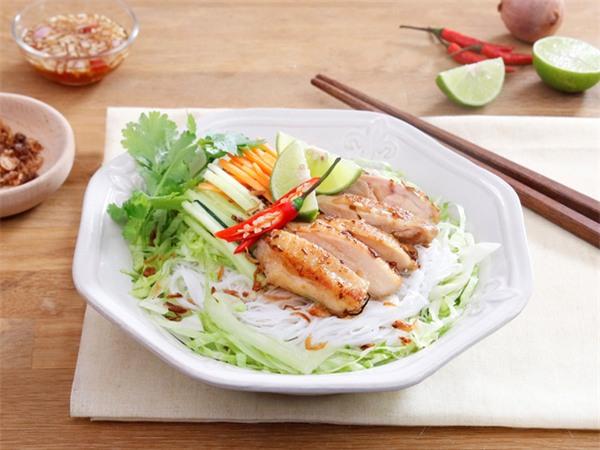 10 món ăn giúp bạn giải quyết phần thịt gà dư thừa sau tết vừa ngon vừa hiệu quả - Ảnh 8.