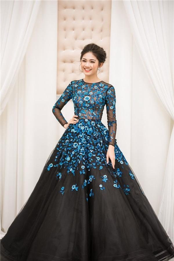 Mới đầu năm mà các người đẹp Việt đã đụng hàng lia lịa - Ảnh 2.