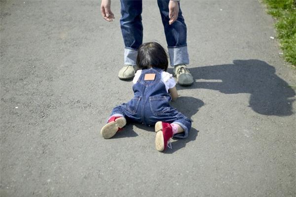 7 lỗi dạy dỗ của cha mẹ ngăn cản con cái thành công sau này - Ảnh 1.