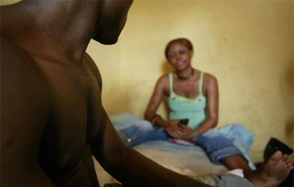 Cuộc sống bên trong ổ dịch HIV lớn nhất châu Phi - Ảnh 13.