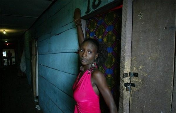 Cuộc sống bên trong ổ dịch HIV lớn nhất châu Phi - Ảnh 6.