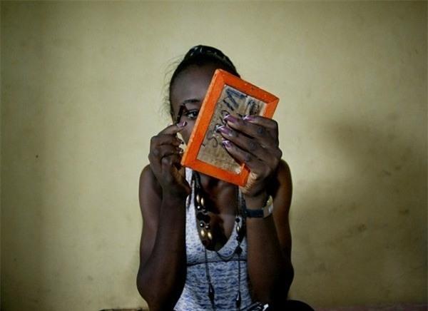 Cuộc sống bên trong ổ dịch HIV lớn nhất châu Phi - Ảnh 9.