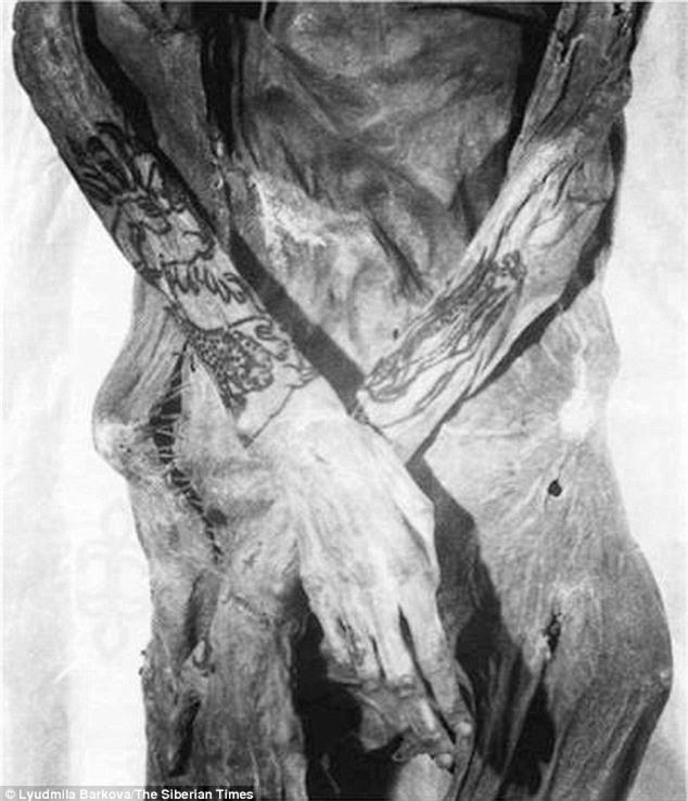 Bí ẩn xác ướp hoàng gia 2200 tuổi nghiện ngập và thích xăm trổ đã được hé mở - Ảnh 7.