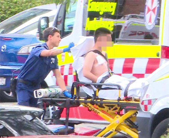 Úc: Đâm dao vào cô giáo và các bạn tại trường học, nam sinh 16 tuổi bị bắt - Ảnh 5.
