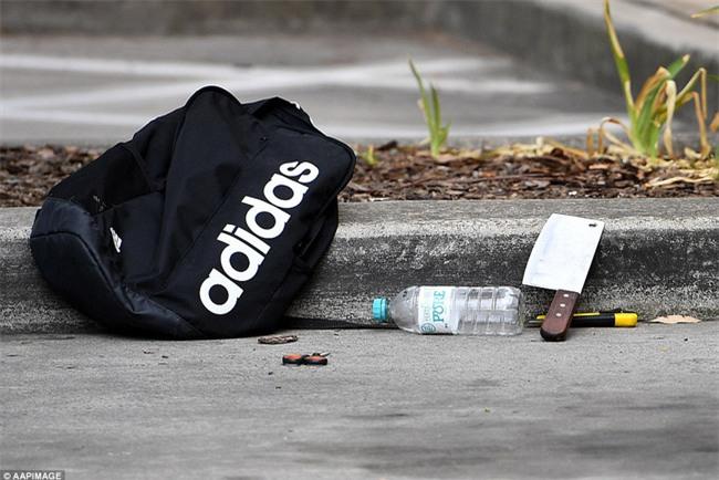 Úc: Đâm dao vào cô giáo và các bạn tại trường học, nam sinh 16 tuổi bị bắt - Ảnh 6.