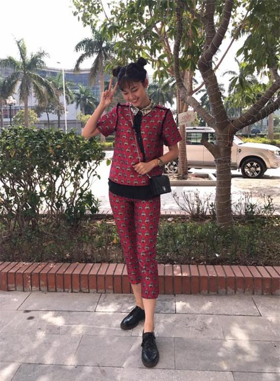 Đâu chỉ có áo dài cách tân, street style đón Xuân của sao Việt còn rực rỡ thế này cơ mà! - Ảnh 4.