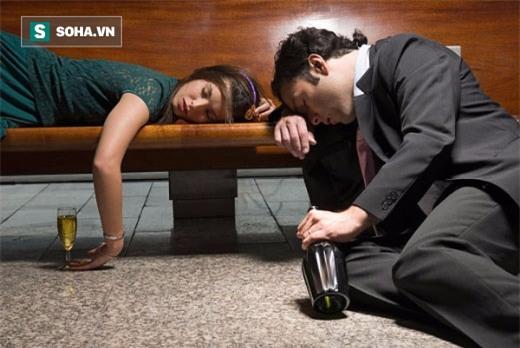 Để người say nằm ngủ li bì một mình: Nhiều cái kết đau lòng - Ảnh 1.