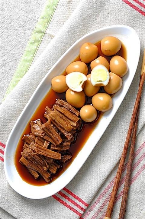 Học người Hàn Quốc làm món bò kho trứng cút tuyệt ngon - Ảnh 8.