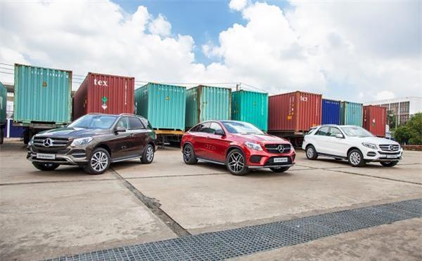 Thuế giảm mạnh, dân Việt ùn ùn nhập ô tô