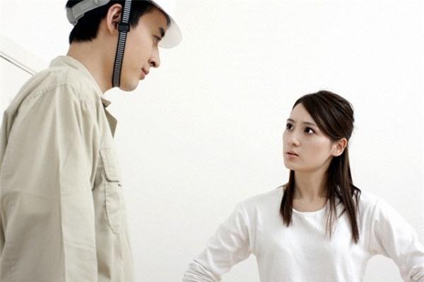 Choáng khi chồng tôi bẽn lẽn xin phép vợ cho người yêu cũ về nhà ở tạm một thời gian - Ảnh 1.