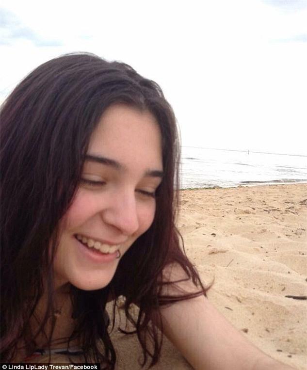 Câu chuyện thảm kịch của nữ sinh 15 tuổi tự tử sau khi bị bạn bè bạo hành, hiếp dâm tập thể - Ảnh 2.