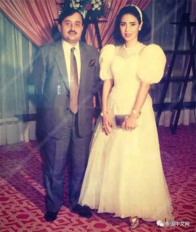 Cô bé Lọ Lem phiên bản già: 60 tuổi vẫn kiếm được chồng đại gia Dubai giàu nứt đố đổ vách - Ảnh 3.