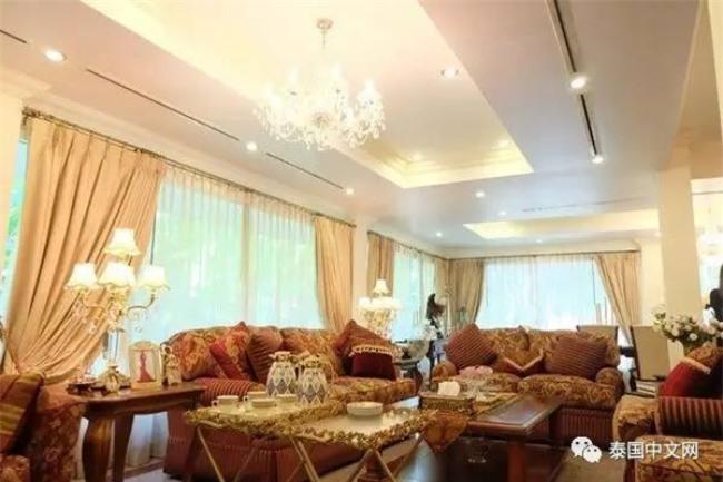 Cô bé Lọ Lem phiên bản già: 60 tuổi vẫn kiếm được chồng đại gia Dubai giàu nứt đố đổ vách - Ảnh 5.