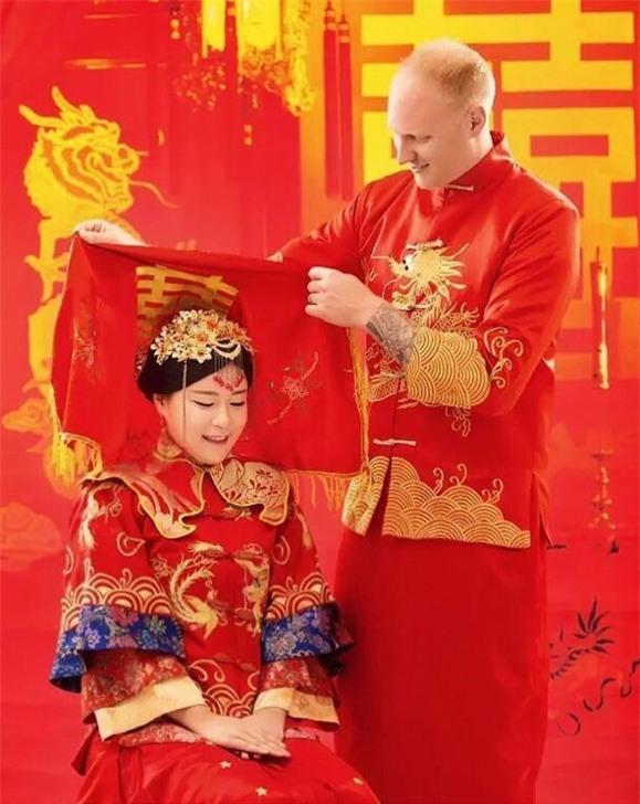 Cùng ngắm 17 bộ áo cưới truyền thống tuyệt đẹp trên toàn thế giới - Ảnh 21.