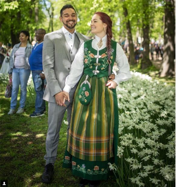Cùng ngắm 17 bộ áo cưới truyền thống tuyệt đẹp trên toàn thế giới - Ảnh 29.