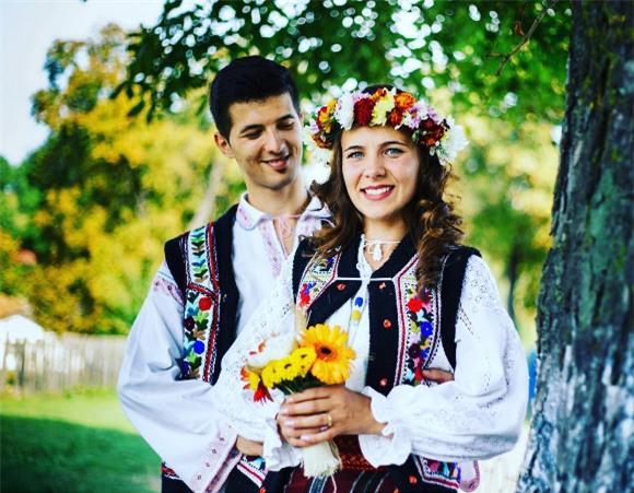 Cùng ngắm 17 bộ áo cưới truyền thống tuyệt đẹp trên toàn thế giới - Ảnh 5.