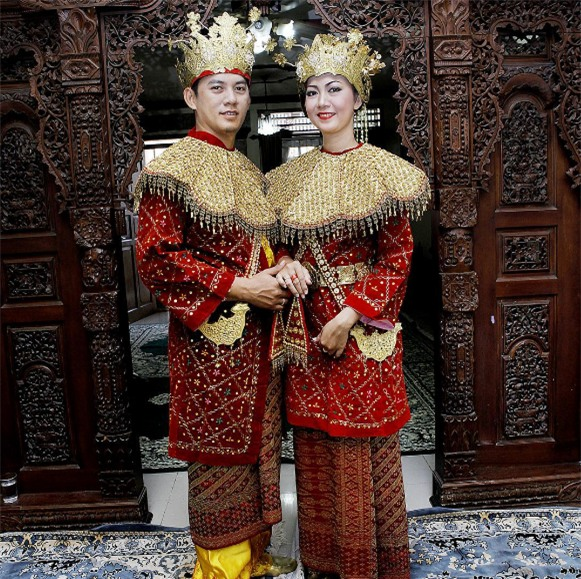 Cùng ngắm 17 bộ áo cưới truyền thống tuyệt đẹp trên toàn thế giới - Ảnh 17.