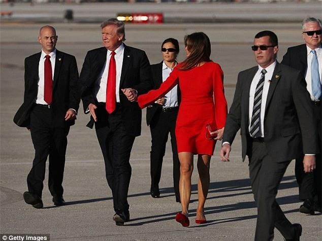 Ông Donald Trump tránh nắm tay vợ nơi công cộng và đây là lý do - Ảnh 3.