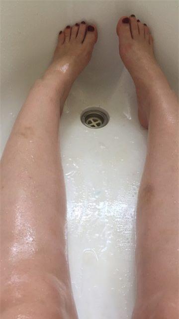 Dùng dầu dừa để tắm, ngờ đâu cô gái lại gặp nạn bất ngờ - Ảnh 2.