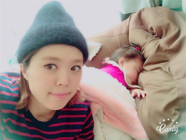 Không chỉ ăn giỏi, bé 2 tuổi người Nhật còn có thể ngủ trên mọi địa hình khiến các mẹ mê mẩn - Ảnh 25.