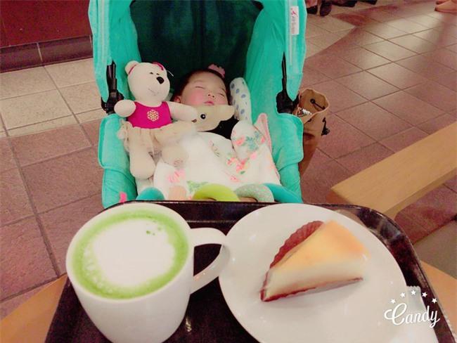 Không chỉ ăn giỏi, bé 2 tuổi người Nhật còn có thể ngủ trên mọi địa hình khiến các mẹ mê mẩn - Ảnh 26.