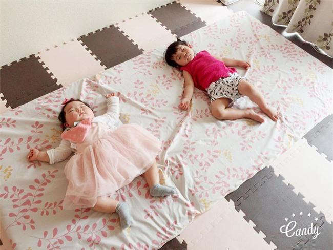 Không chỉ ăn giỏi, bé 2 tuổi người Nhật còn có thể ngủ trên mọi địa hình khiến các mẹ mê mẩn - Ảnh 15.
