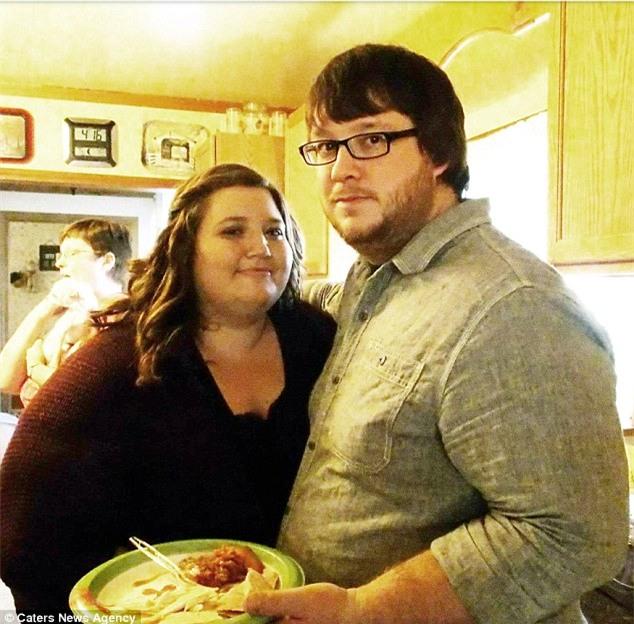 Cặp đôi nặng gần 350kg giảm cân ngoạn mục trong 12 tháng - Ảnh 1.