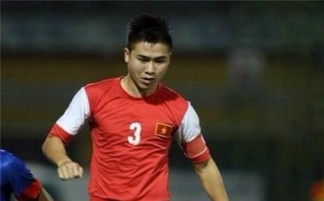 Thế Nhật từng là đội trưởng U21 Việt Nam và được chọn là cầu thủ hay nhất giải U21 quốc tế.
