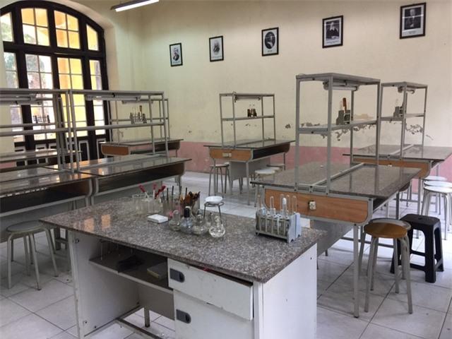 Phòng thực hành Hóa học của Trường THPT Phan Đình Phùng (ảnh: Mỹ Hà)