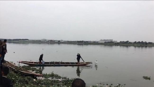 Trung Quốc: Bức tượng Quan Thế Âm Bồ Tát bí ẩn đột ngột nổi lên giữa dòng sông - Ảnh 3.