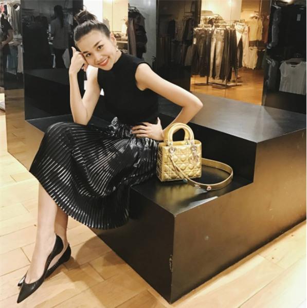 Đây là lý do các người đẹp Việt đang tạm cất giày cao gót vào một góc đấy! - Ảnh 9.