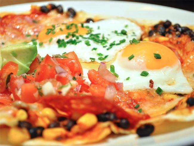 Các kiểu ăn trứng của người dân khắp thế giới - Ảnh 7.