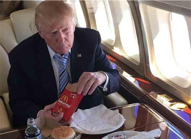 Hé lộ nguyên nhân Trump nghiện đồ ăn nhanh - Ảnh 1.