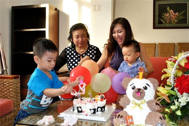 Phi Thanh Van thue biet thu o Vung Tau to chuc thoi noi cho con trai trong tam bao ly di