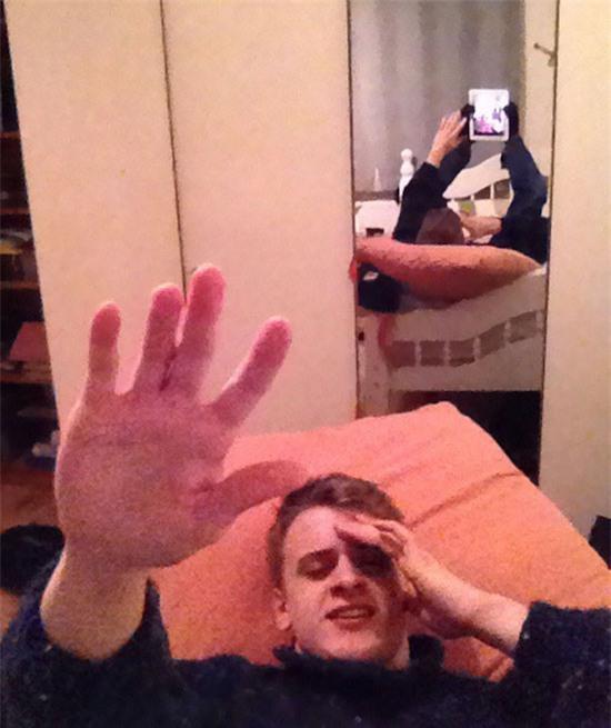 Bóc phốt những pha selfie diễn sâu cho lắm, muối mặt đi về - Ảnh 7.