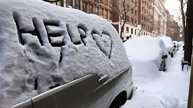 Bão tuyết phủ trắng xóa New York, ít nhất một người chết - Ảnh 3.