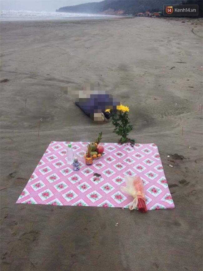 Nghệ An: Phát hiện thi thể phụ nữ đang phân hủy trôi dạt vào bãi biển - Ảnh 1.