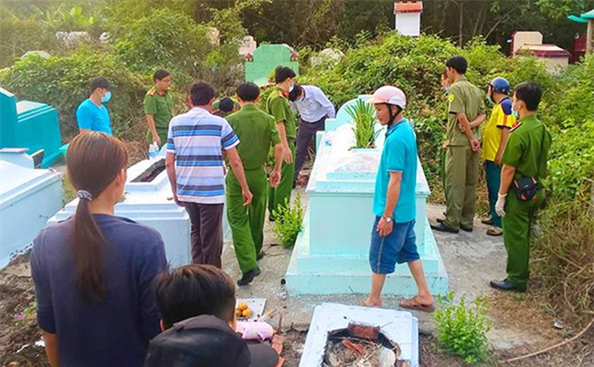 Nghi án mẹ trẻ làm rơi chết con, lén chôn ở chùa rồi bỏ trốn