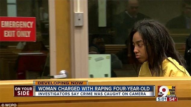 Mỹ: Thiếu nữ 20 tuổi bị bắt vì livestream cảnh cưỡng hiếp bé trai 4 tuổi - Ảnh 2.