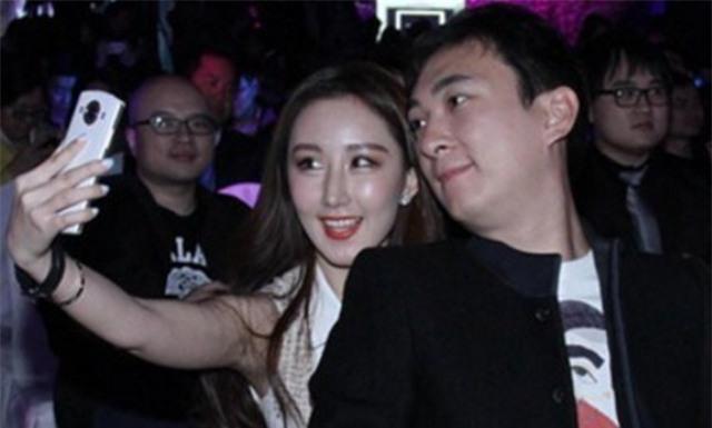 Vương Tư Thông, con trai của tỷ phú giàu nhất Trung Quốc