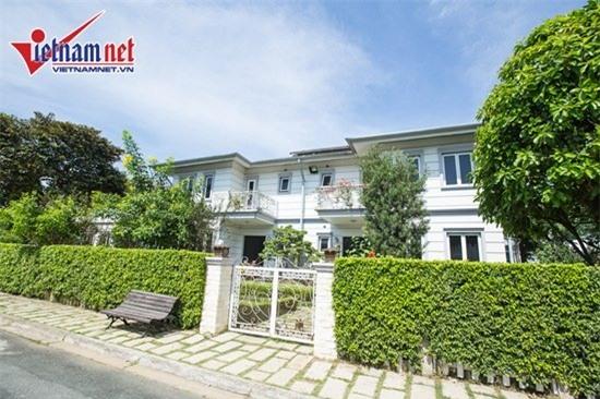Thăm nhà đẹp phong cách hoàng gia của Hồ Quỳnh Hương - Ảnh 1.