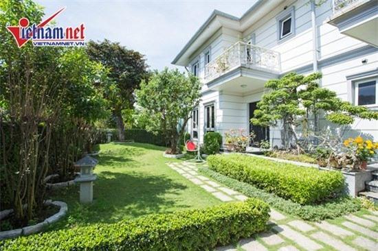 Thăm nhà đẹp phong cách hoàng gia của Hồ Quỳnh Hương - Ảnh 2.