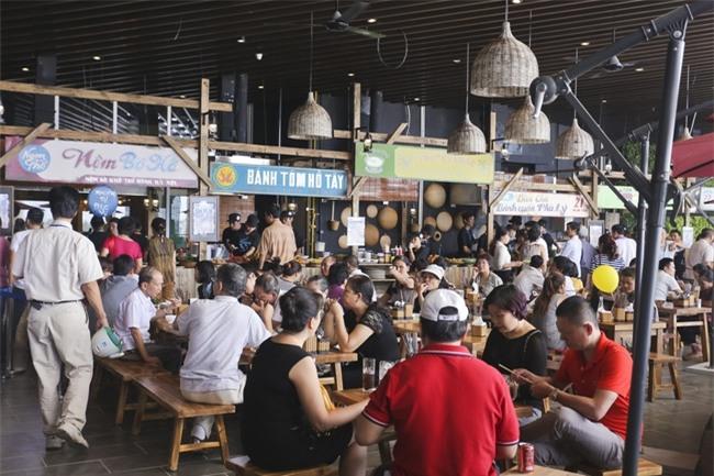 Quyết không tăng giá dịp Tết, nhiều hàng quán ở Hà Nội vẫn thu lợi hơn gấp 10 lần - Ảnh 7.