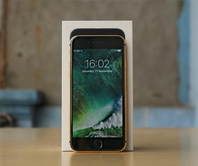 iPhone 7 mạ vàng cho Valentine được chào giá từ 35 triệu đồng - Ảnh 1.