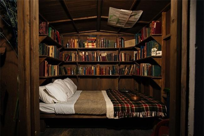 Những góc đọc sách đẹp đến mức khiến bạn muốn trốn cả thế giới - Ảnh 7.